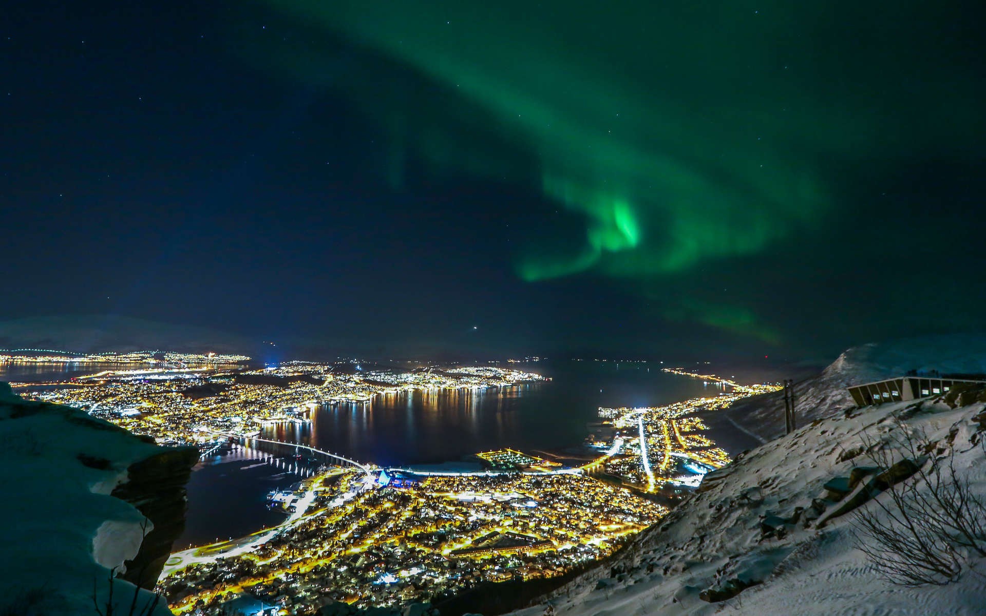 northern lights panorama Tromsø