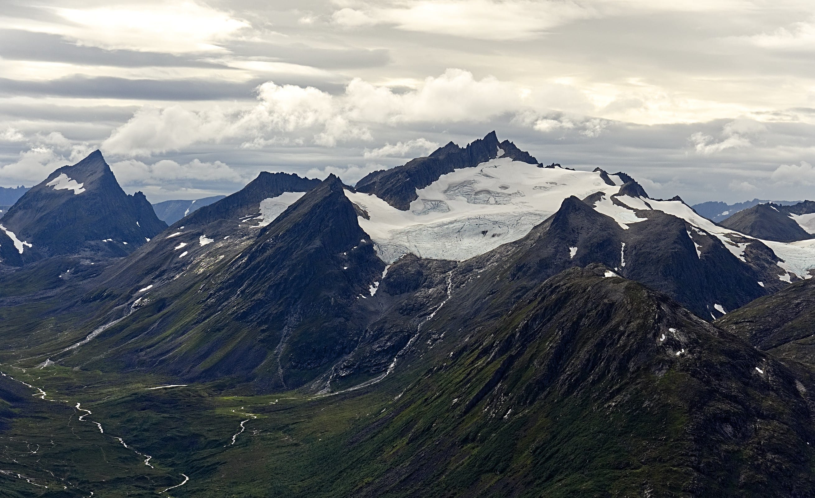 Arctic Norway Mountain landscape summer challenges