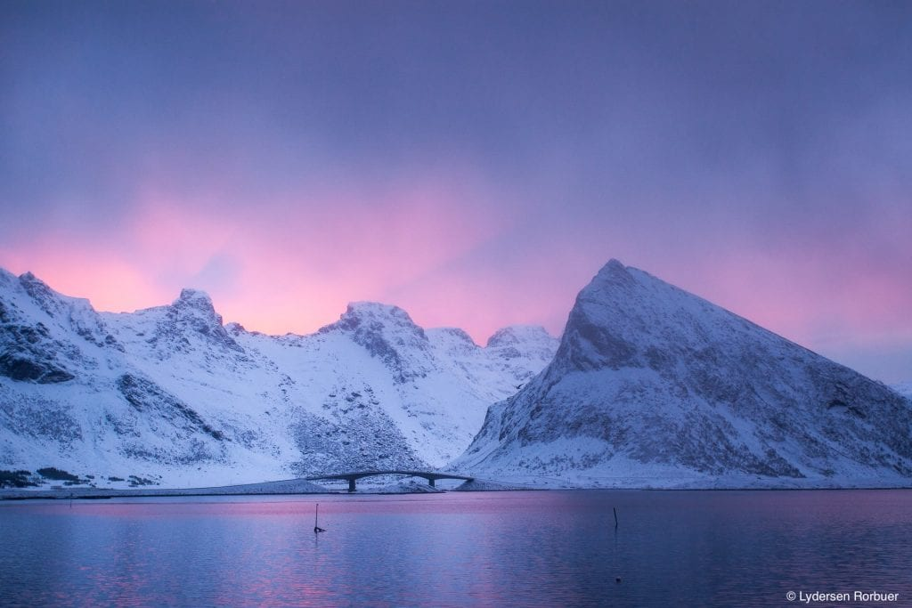 Lydersen Lofoten pink sky mountains