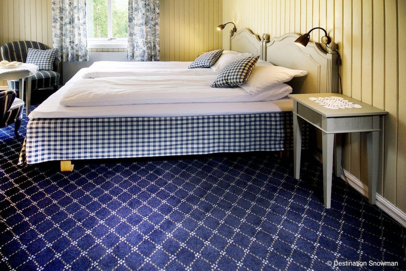 Rundhaug Gjestegard rooms blue floor double bed