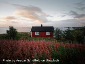 Hamnøy by Ansgar Scheffold on Unsplash
